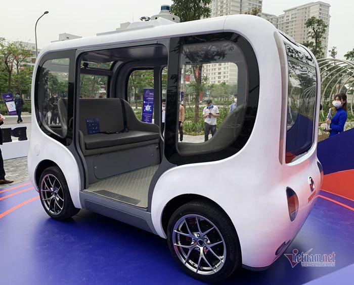 Chính thức ra mắt mẫu xe tự hành thông minh đầu tiên của Việt Nam