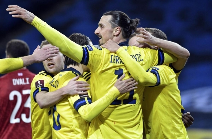 Ibrahimovic giúp Thụy Điển có 3 điểm ở trận tái xuất