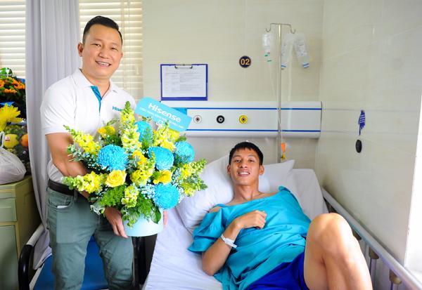Quỹ Hi S từ Hisense Việt Nam hỗ trợ Hùng Dũng 50 triệu đồng
