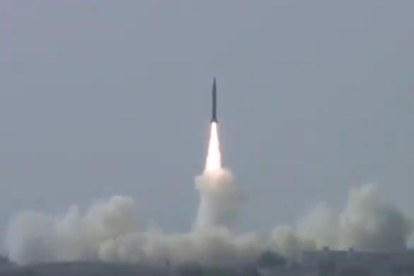 Pakistan thử thành công tên lửa đạn đạo bay gần nghìn cây số