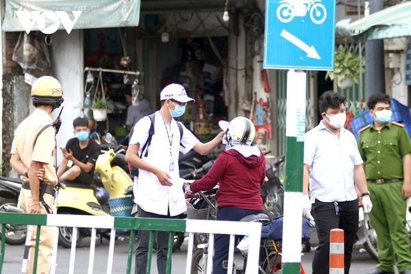 16 chốt kiểm soát phòng Covid-19, ra vào Sài Gòn buộc kiểm tra y tế