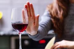 Những người không bao giờ được uống rượu