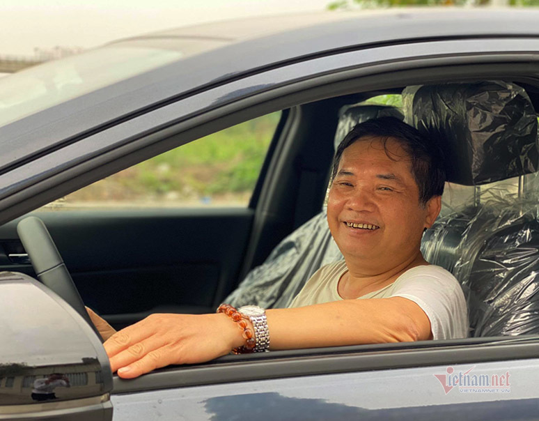Để người già lái xe ra đường được an toàn, an tâm