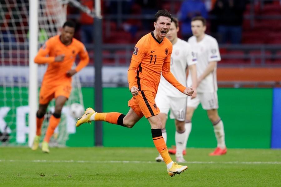 Hà Lan thắng nhọc nhược tiểu Latvia