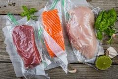 'Hút chân không' thực phẩm có thể sinh độc tố nguy hiểm như vụ pate chay