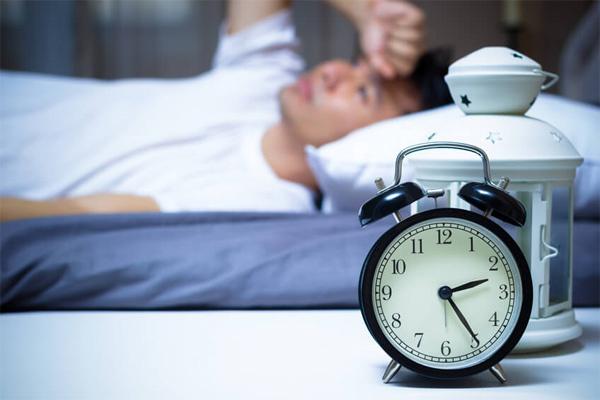 Đổ mồ hôi khi ngủ cảnh báo ung thư gì?