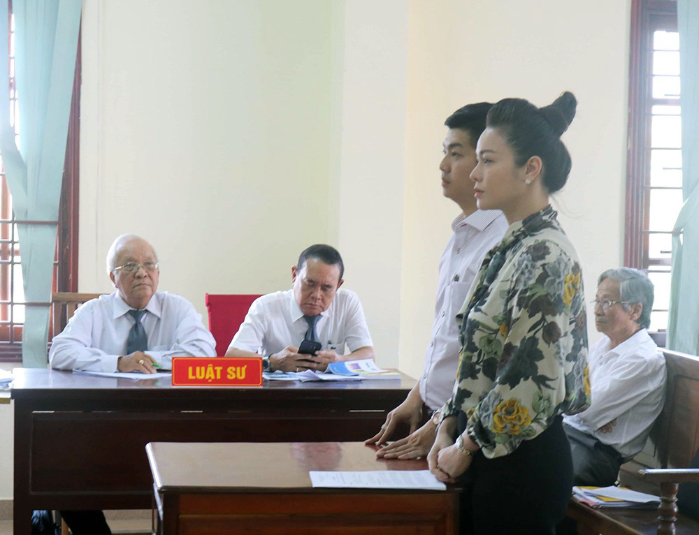 Gần 2 năm chật vật, ca sĩ Nhật Kim Anh đã giành được quyền nuôi con