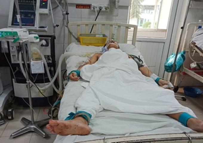 Khởi tố gã chồng chém vợ cũ trọng thương, giết đầu bếp ở Quảng Nam