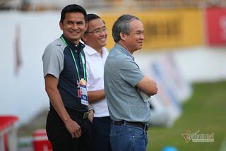 """Yêu bầu Đức, Kiatisuk nói lời """"cay đắng"""" với tuyển Thái Lan"""