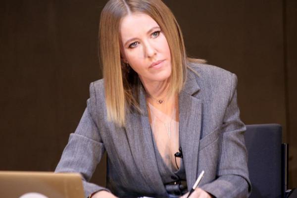 Nữ MC Nga bị chỉ trích vì phỏng vấn kẻ hiếp dâm hàng loạt