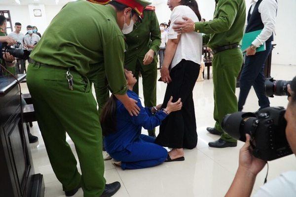 Góc khuất đau lòng vụ mẹ cùng cha dượng hành hạ bé 3 tuổi chết ở Hà Nội