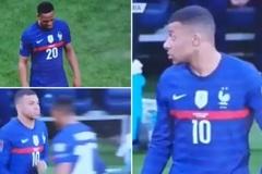 Mbappe ngỡ ngàng sao MU, Martial không thèm bắt tay