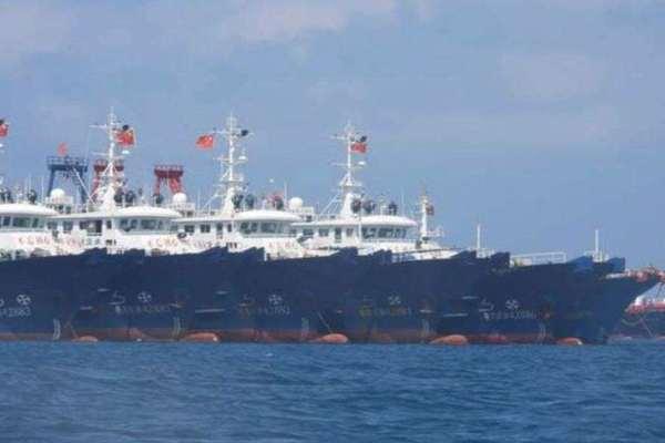 Philippines điều chiến cơ giám sát tàu Trung Quốc ở Đá Ba Đầu