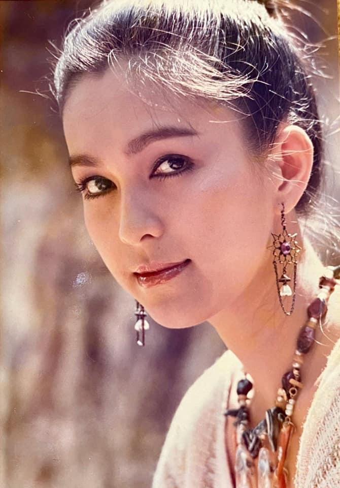 Nhan sắc U60 của 'Nữ hoàng ảnh lịch' Diễm My