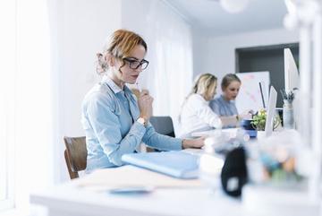 4 'vật cản' thăng tiến sự nghiệp của phụ nữ