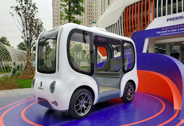 Vietnam's first autonomous vehicle debuts