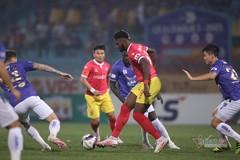 HLV Chu Đình Nghiêm lý giải Hà Nội chật vật trước Hà Tĩnh
