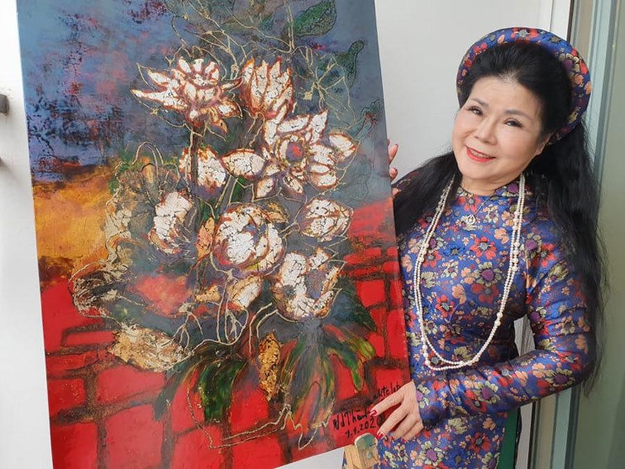 Hoạ sĩ Văn Dương Thành tặng bộ sưu tập 'Biển quê hương' cho bảo tàng Phú Yên