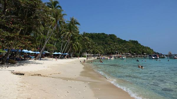 Trước kỳ nghỉ lễ 30/4, lượng khách du lịch tăng nhanh