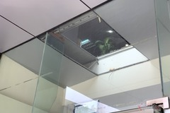 Thủng trần chung cư ở Hà Nội, 2 người rơi xuống đất: Trần sàn không giống ai