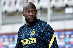 Sợ Chelsea cướp Lukaku, Inter hối hả tăng lương