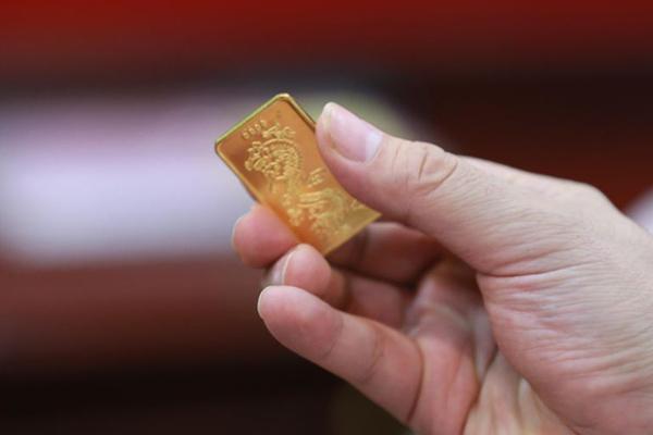 Mỗi tháng mua 1-2 chỉ vàng, sau 5 năm cô gái có 600 triệu khởi nghiệp