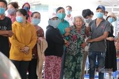 Khóc nghẹn đón 6 thi thể trong một gia đình vụ cháy ở TP Thủ Đức