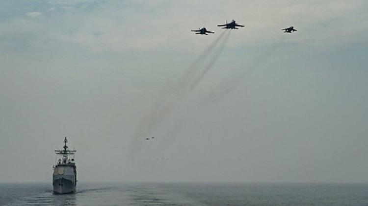 Hình ảnh Mỹ - Ấn Độ rầm rập tập trận chung trên biển