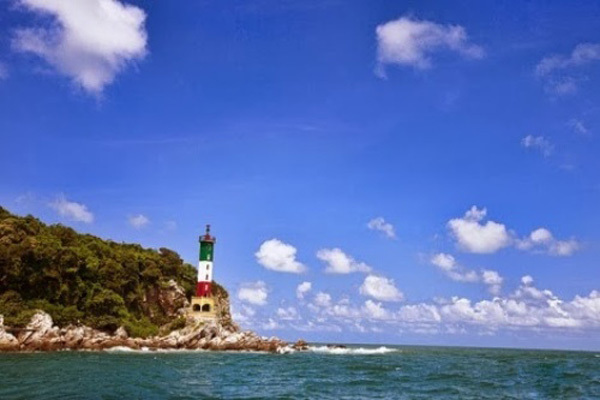 Ten lighthouses stand out in Vietnam