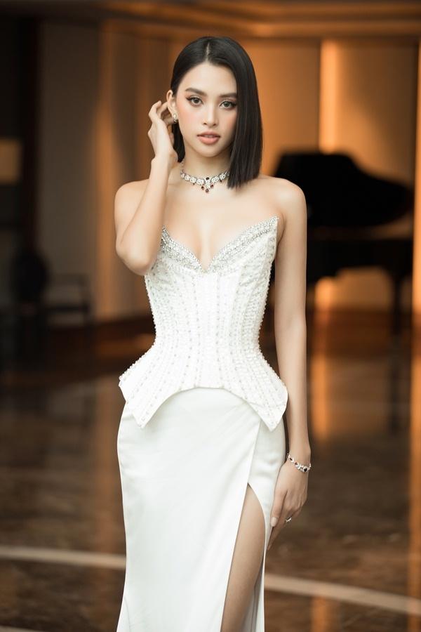 Tiểu Vy, Đỗ Hà rạng rỡ khởi động Miss World Vietnam 2021