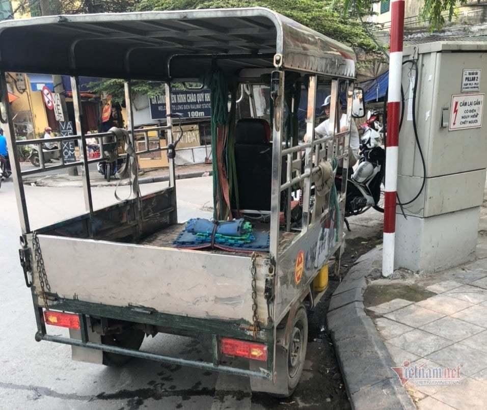 Tài xế xe ba gác bị phạt kịch khung lỗi nồng độ cồn ở Hà Nội