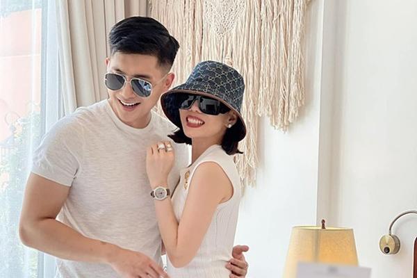 Yêu đương và hôn nhân lệch tuổi là trào lưu ở showbiz Việt?