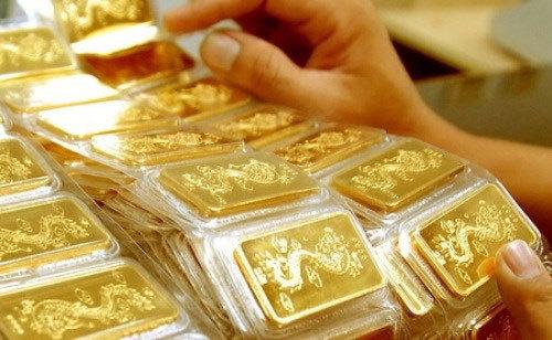 Giá vàng hôm nay 15/4: Biến động mạnh theo tăng giảm USD
