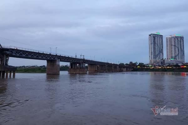 Những dòng sông sạch chảy qua thành phố giàu mạnh