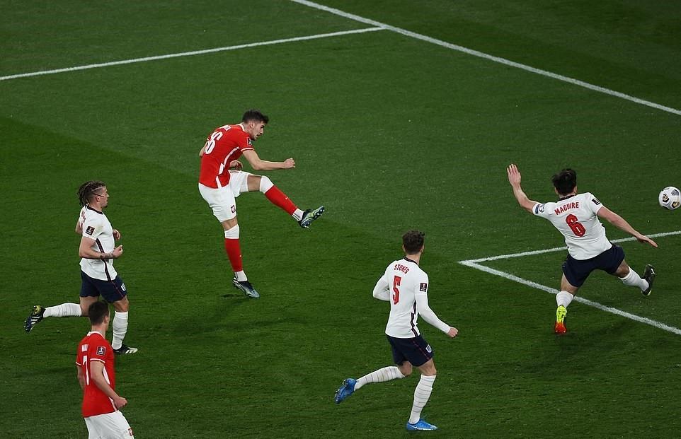 Maguire hóa người hùng, tuyển Anh thắng kịch tính Ba Lan
