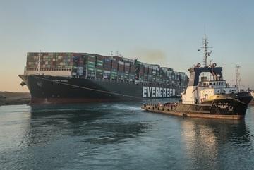 Doanh nghiệp Trung Quốc hưởng lợi lớn nhờ vụ tắc nghẽn ở kênh đào Suez