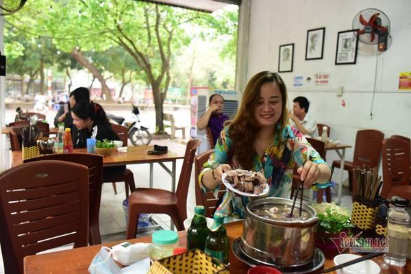 Người Hải Dương háo hức tới nhà hàng, quán cà phê sau 67 ngày giãn cách