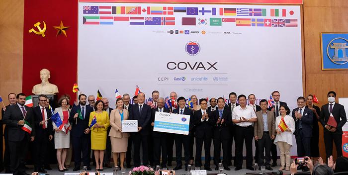 'Việt Nam còn nghèo nhưng không để dịch Covid-19 bùng diện rộng'