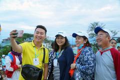 Mỗi năm bỏ vài trăm triệu đi Tây chơi: Đừng coi thường khách Việt