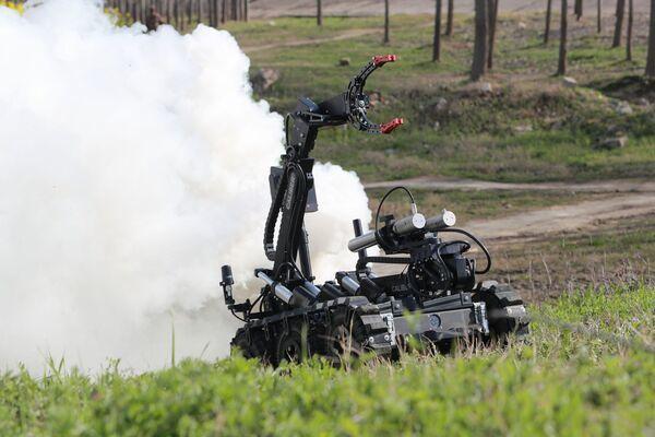 Người máy phá bom thế hệ mới của Trung Quốc