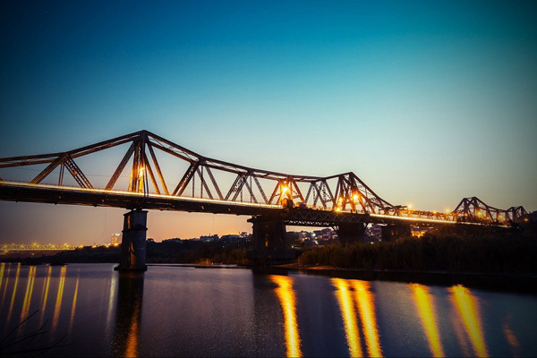 France wants to repair Vietnam's century-long Long Bien Bridge