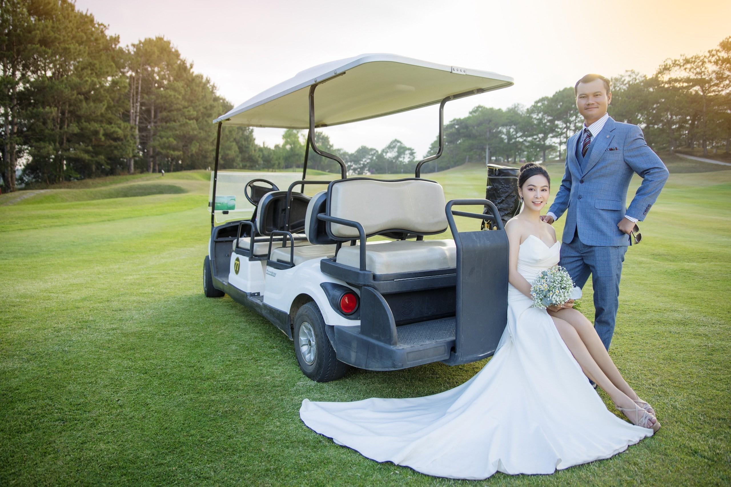Mỹ Ngọc Bolero khoe ảnh cưới với chồng đại gia