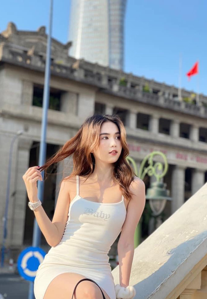 Lần hiếm hoi Việt Anh đăng ảnh với Hồng Diễm