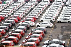 Xe nhập khẩu tháng 3 tăng đột biến, hứa hẹn có đợt giảm giá sâu