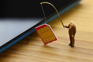 Cảnh báo lừa đảo mới: Nâng cấp sim 4G, mất sạch tiền lại 'gánh' thêm nợ