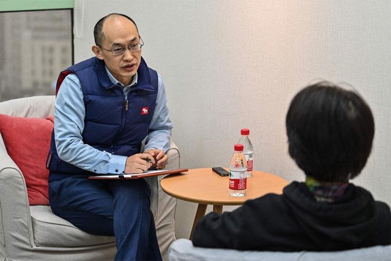Nghề cứu vãn hôn nhân 'bên bờ vực thẳm' nở rộ ở Trung Quốc
