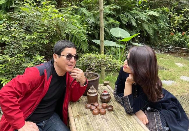 Khoảnh khắc tình cảm của Chí Trung và bạn gái kém 17 tuổi