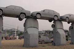 Thái Lan: 80 xe ô tô xếp chồng nhau tái hiện bãi đá cổ Stonehenge