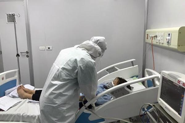 Việt Nam ghi nhận thêm 3 ca Covid-19 chuyển về Hà Nội điều trị