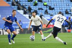Đánh bại Leicester, Man City tiến gần đến ngôi vương